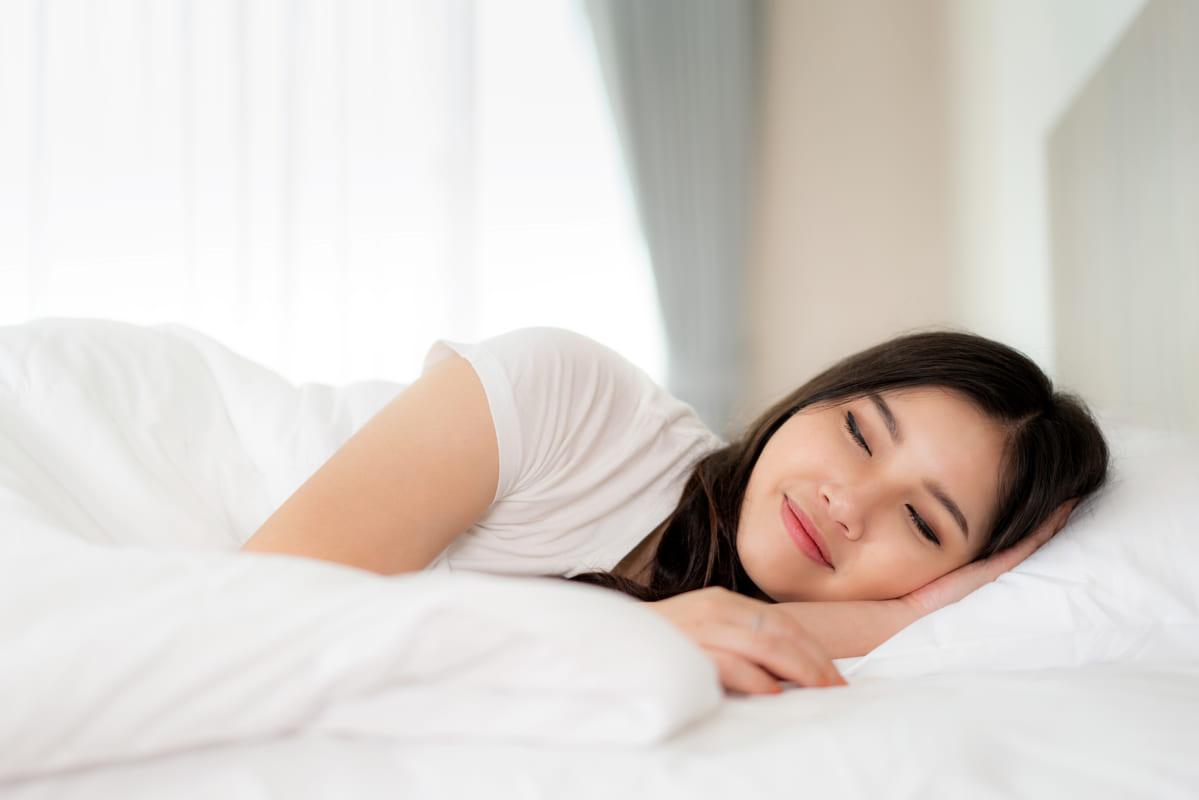 Đảm bảo ngủ đủ giấc để có làn da đẹp & sức đề kháng tốt