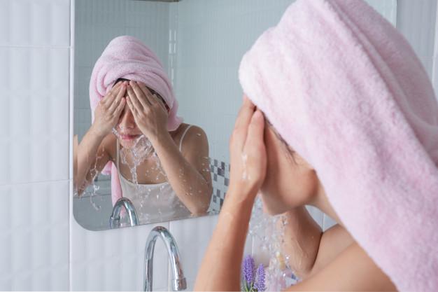 Chọn sữa rửa mặt đúng loại để da mặt không bị di ứng