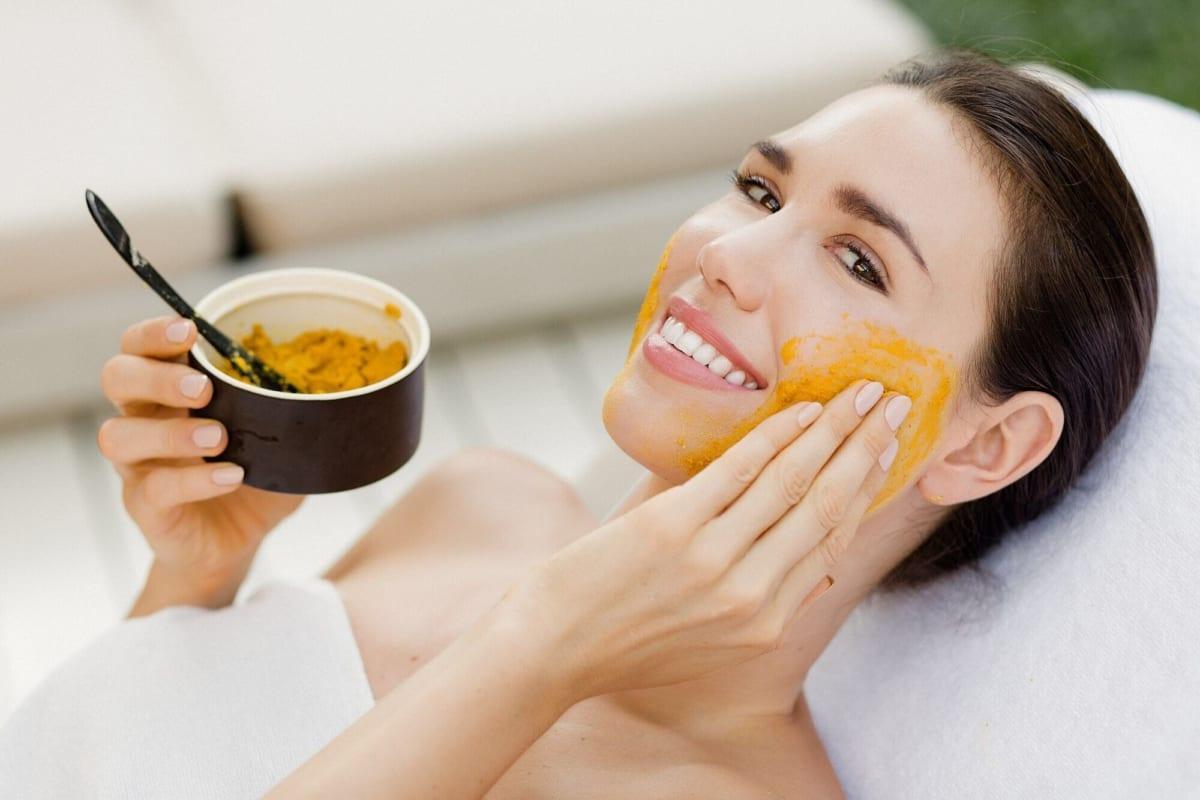 Chăm sóc da mặt đơn giản ai cũng làm được