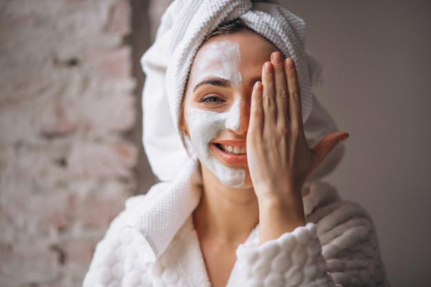 Tại sao lại cần chăm sóc da mặt khi còn trẻ