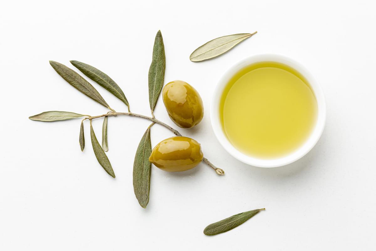 Dầu olive dưỡng ẩm cho tóc hiệu quả