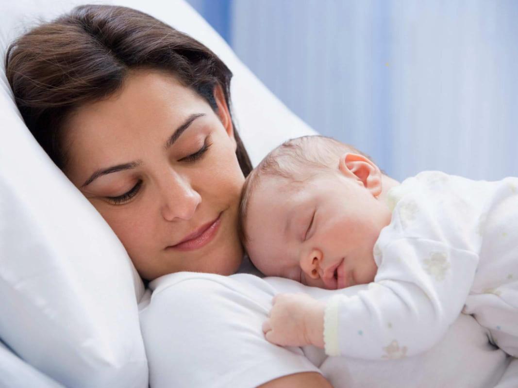 mỹ phẩm dành cho phụ nữ cho con bú cần được cân nhắc kỹ lưỡng trước khi sử dụng