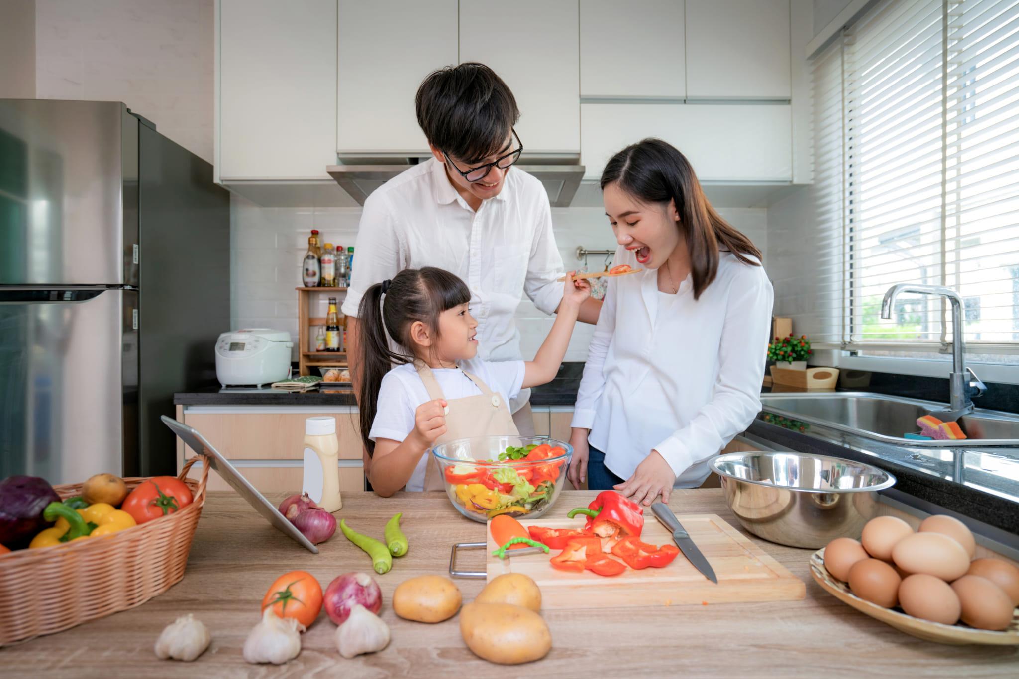 Thay đổi thói quen ăn uống mùa bệnh vi-rút corona để đảm bảo an toàn cho bản thân và gia đình