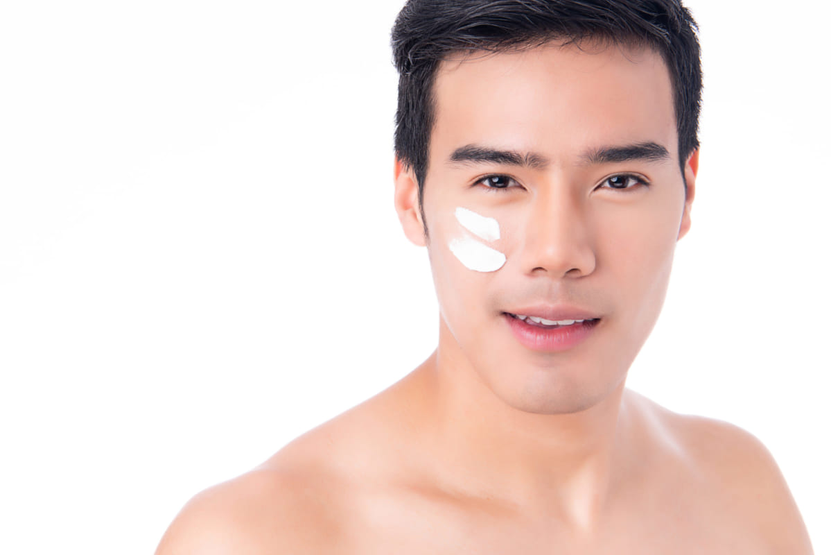 Chăm sóc da mặt cho nam bằng các sản phẩm chuyên dụng
