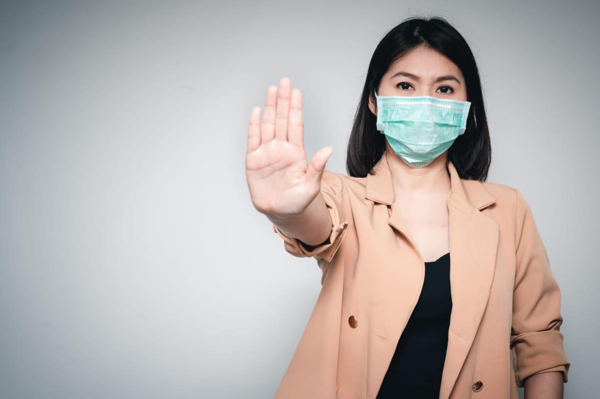 Bạn cần làm gì khi bị nghi nhiễm vi-rút corona