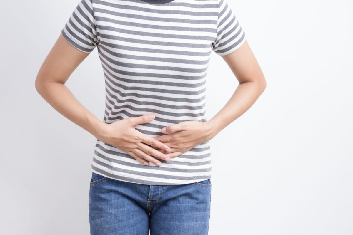 Tinh dầu tràm có trả năng giảm đau bụng khá hiệu quả
