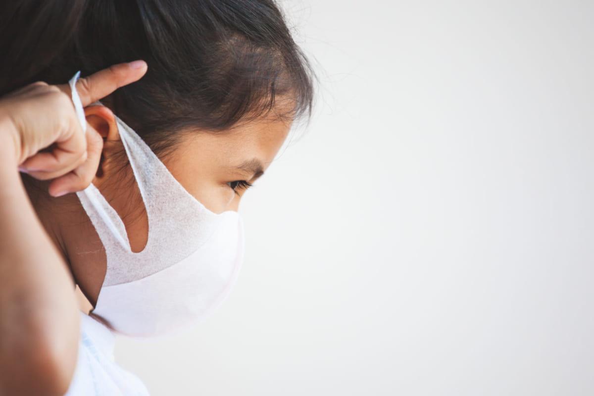 Đeo khẩu trang y tế cho trẻ đúng cách