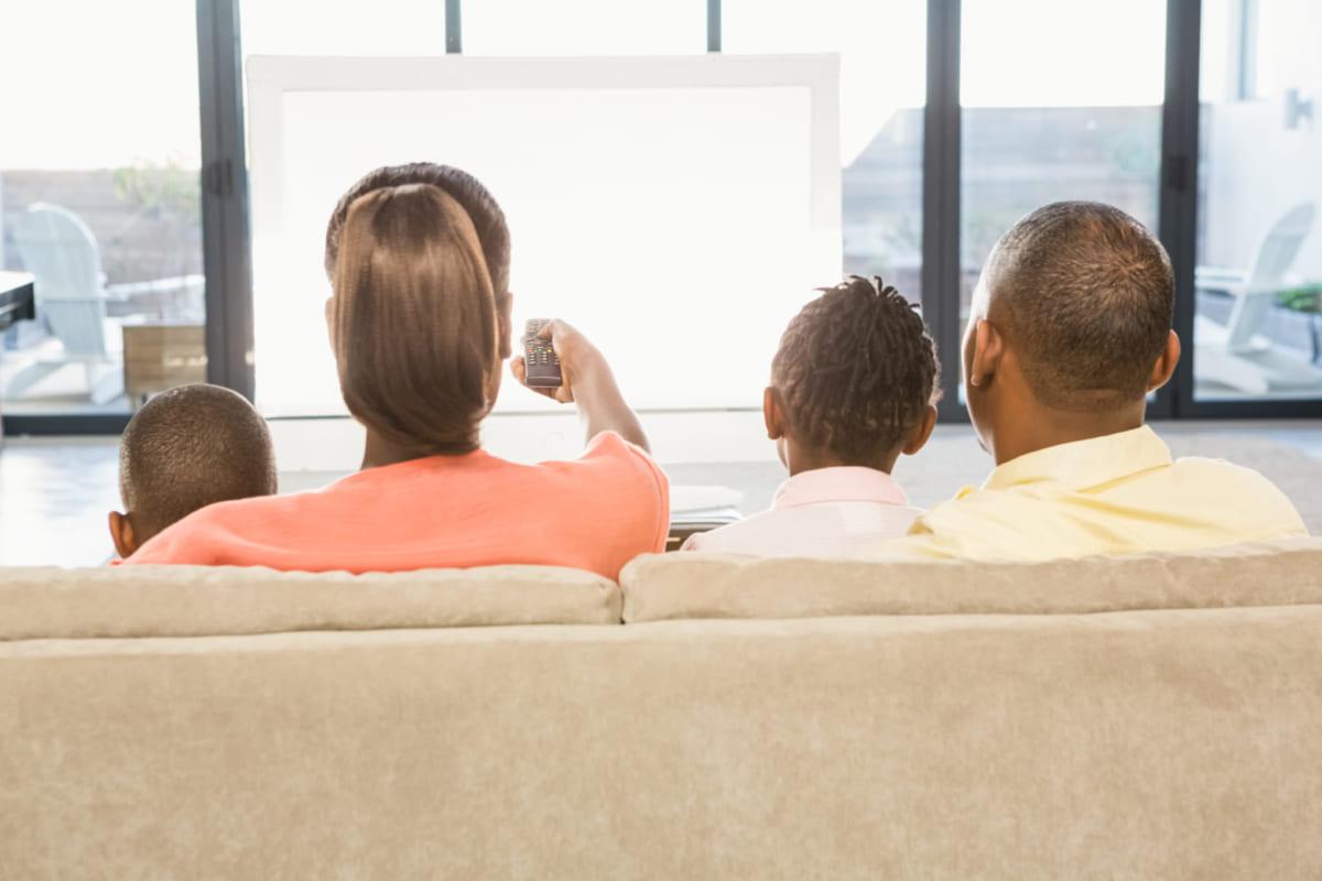 Chuẩn bị các phương tiện giải trí cho nhóm người có nguy cơ mắc covid-19 trong thời gian cách ly
