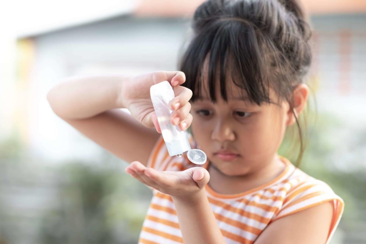 Sử dụng nước rửa tay có nồng độ cồn vừa phải