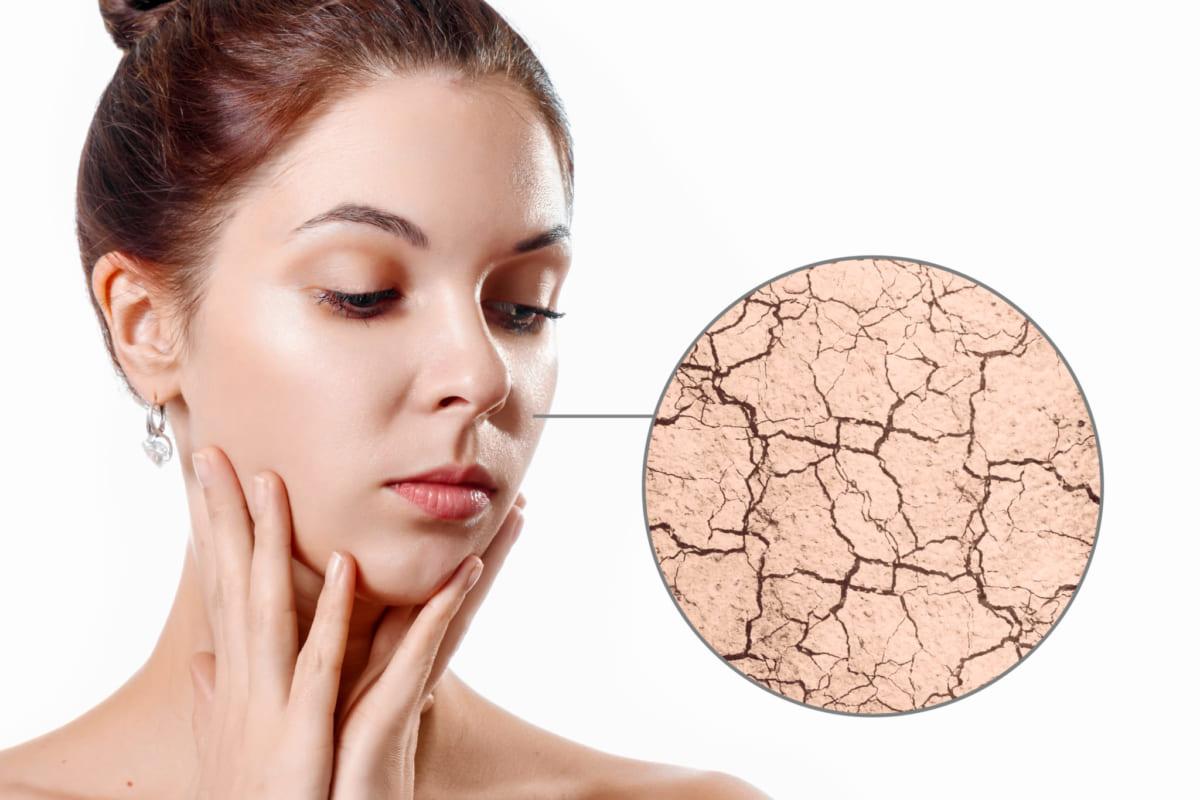 Tẩy trang cho da khô cần được thực hiện theo quy trình riêng