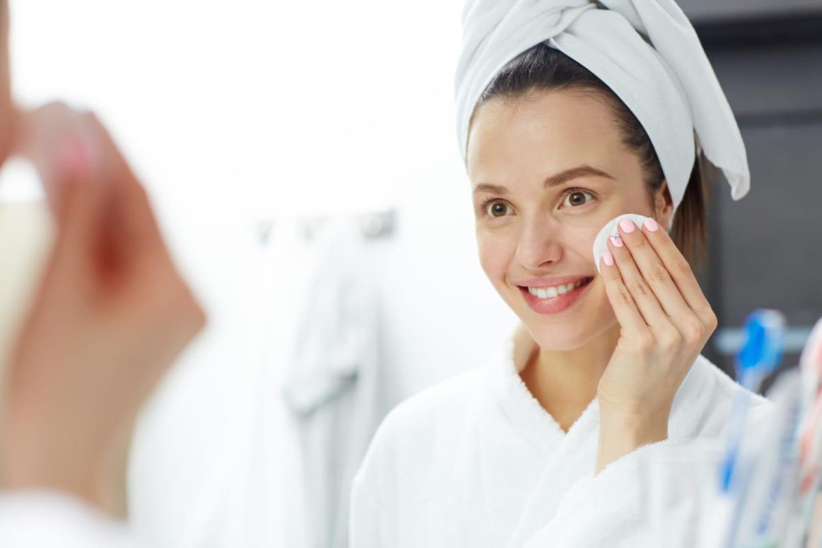 Làm sạch da mỗi ngày kể cả khi không trang điểm