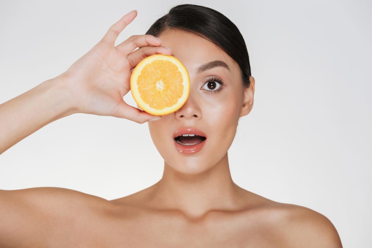 Đừng quên cung cấp vitamin C cho làn da của bạn